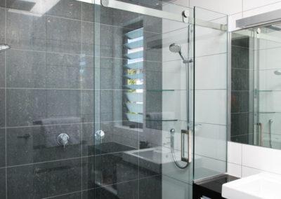 Sliding-showers (1)