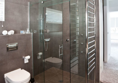 Sliding-showers (3)