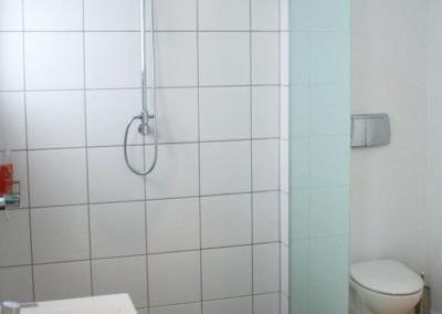Walk-in-shower (2)